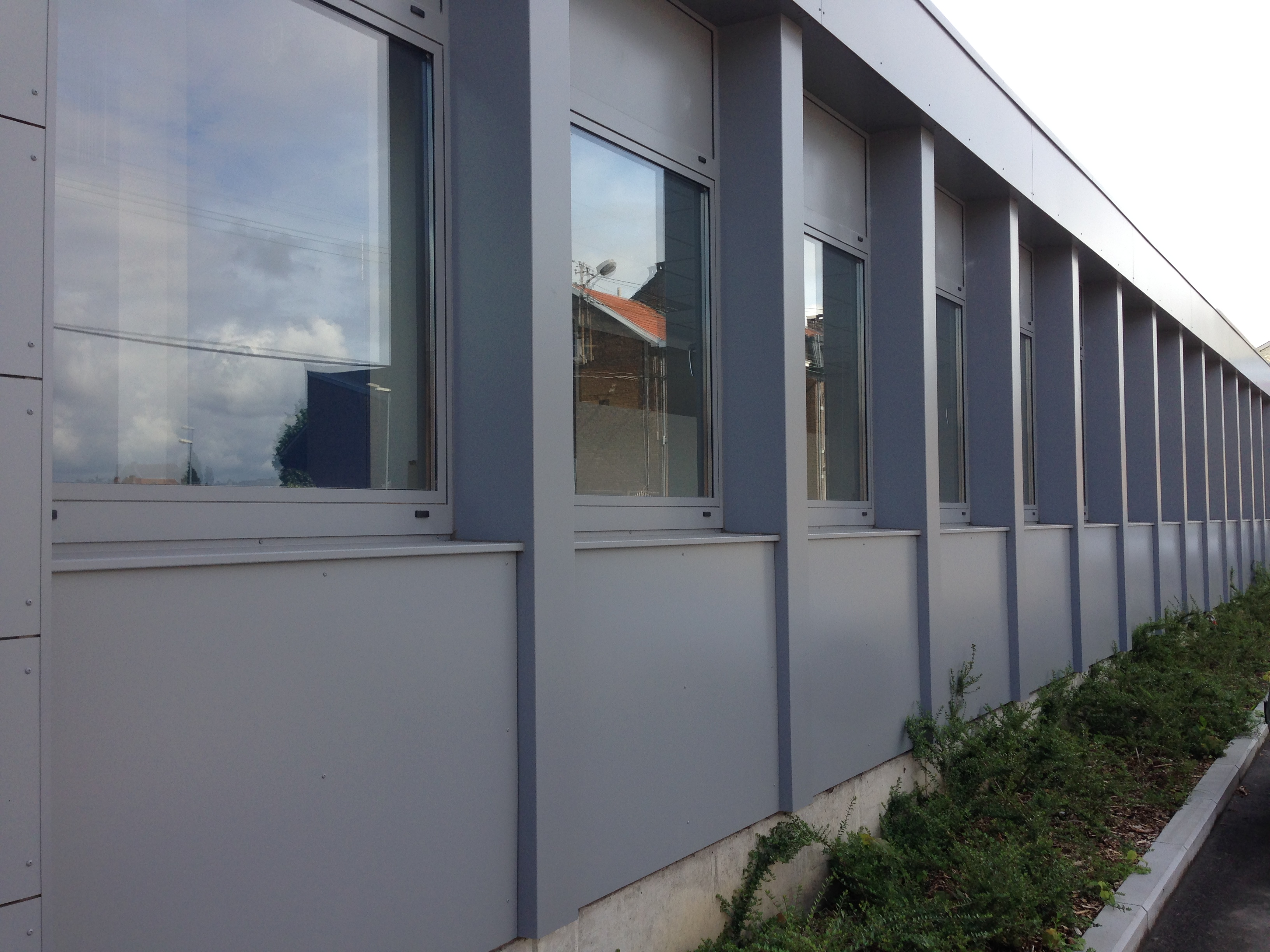 Transformation mairie de quartier de wandre li ge keppenne for Chez leon meuble montreal
